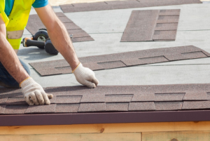 When Should I Replace My Roof, & When Do I Need Emergency Roof Repair in Johnson County?