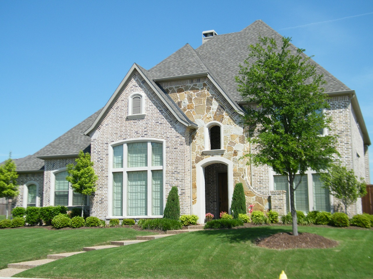 Difference Between Roofs and Gable Hip