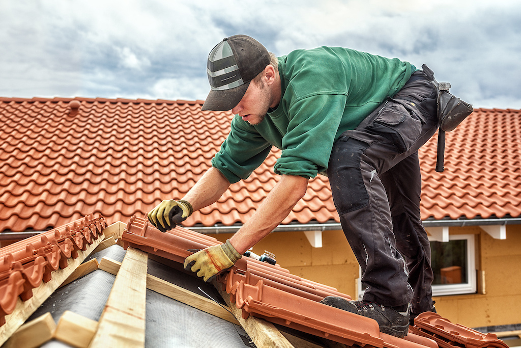 Three Roofing Problems That Require a Professional