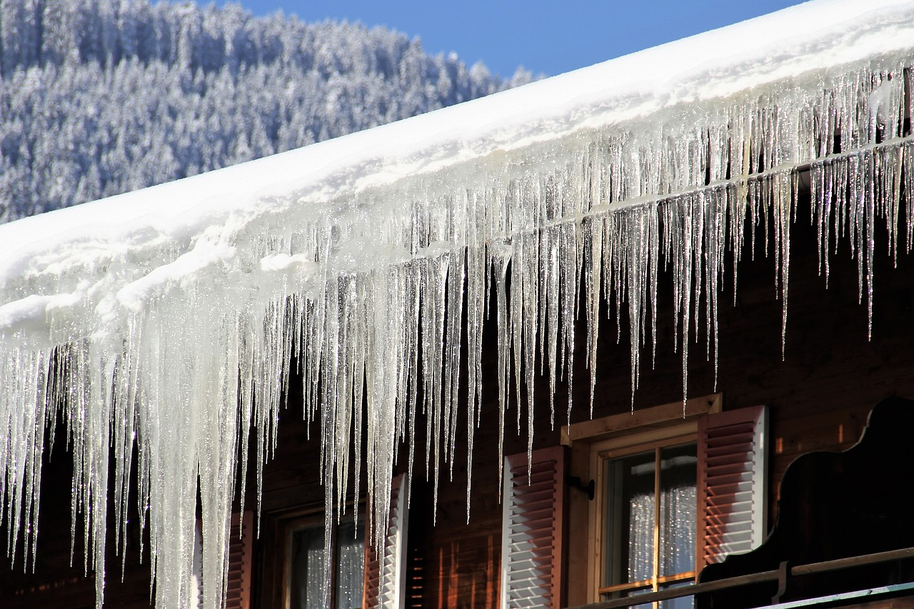 How to Prevent and Remove Ice Dams