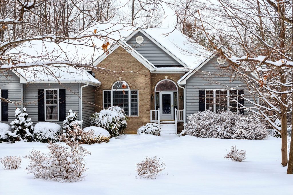 How to winterize your roof